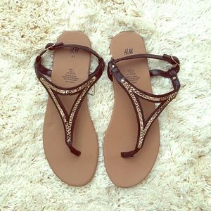 H&M Black and Gold Thong Sandals *NWOT*